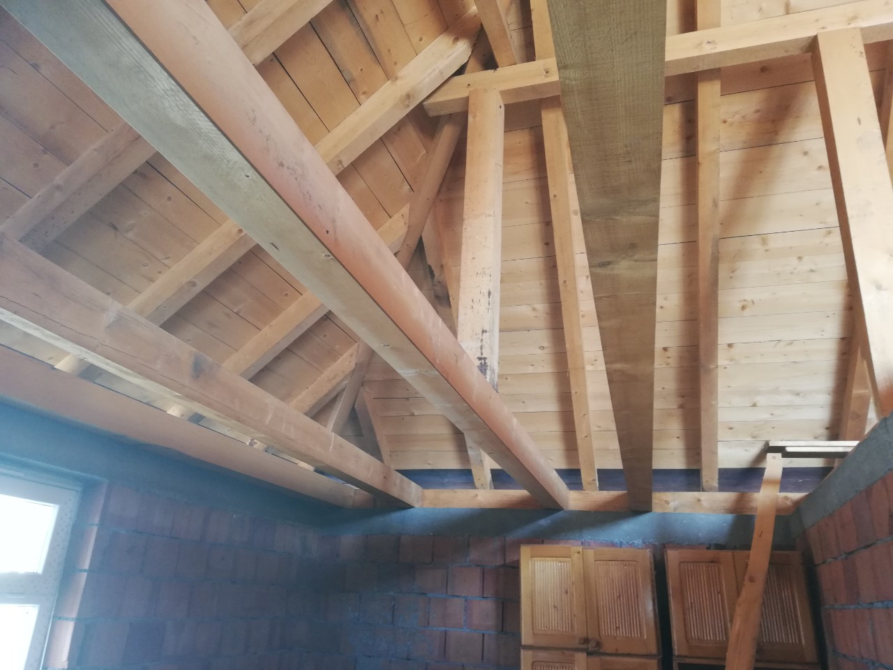 Ploca od drvenih greda (3)