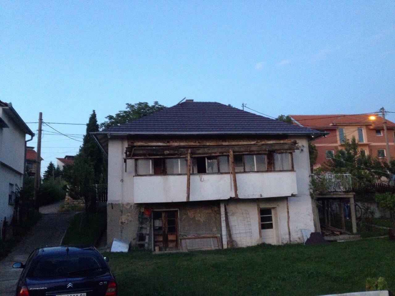 Rušenje terase pre